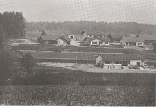 -74Chhronikbild-300x199 Fußballplatz