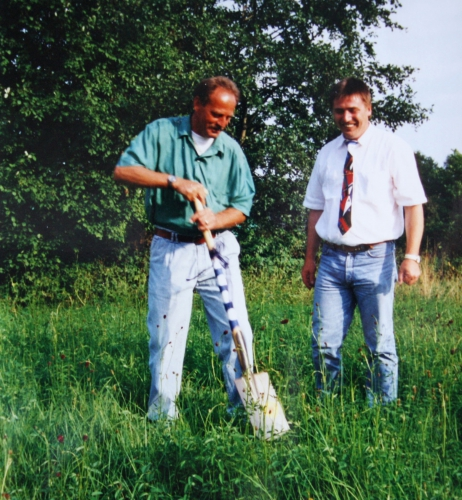 Spatenstich zum Hauptspielfeld am 31.07.1996 001