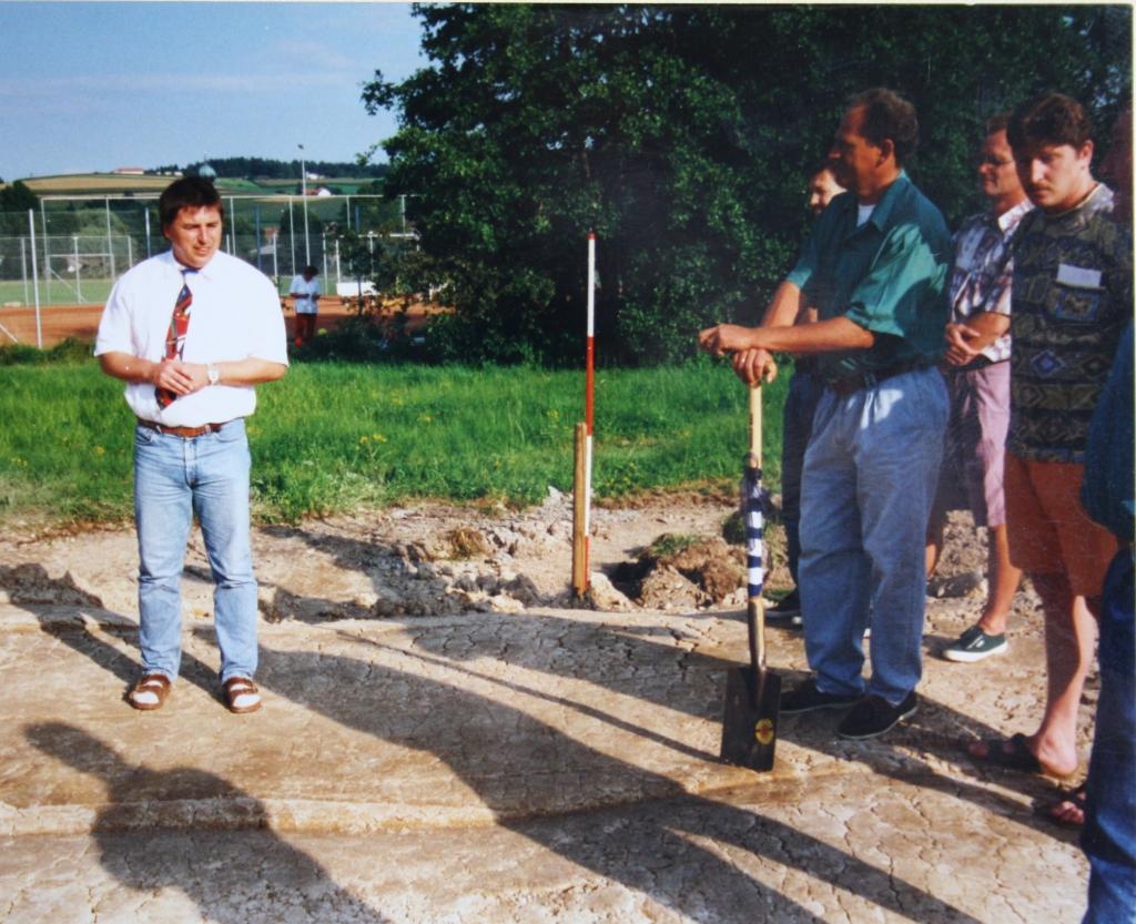 Spatenstich zum Hauptspielfeld am 31.07.1996 002